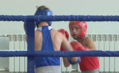 Александр Поветкин поздравил иркутских боксеров с открытием нового зала